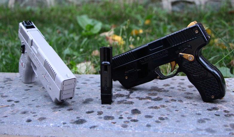 Разработан электрический пистолет, стреляющий электрошокерами