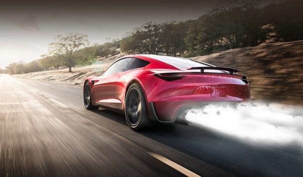 Илон Маск хочет поставить на электромобиль ракетные двигатели