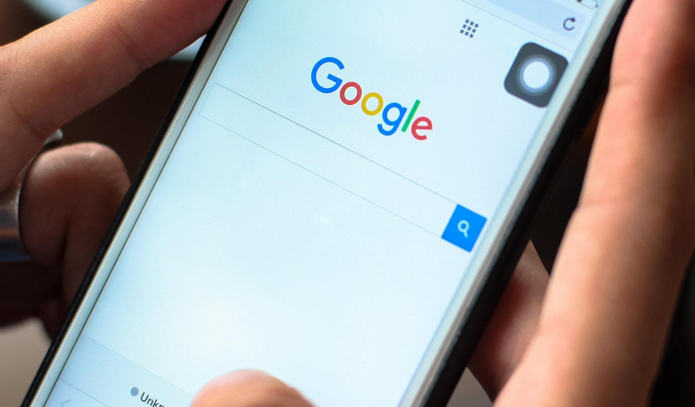 Поиск Google не будет показывать больше двух результатов с одного сайта