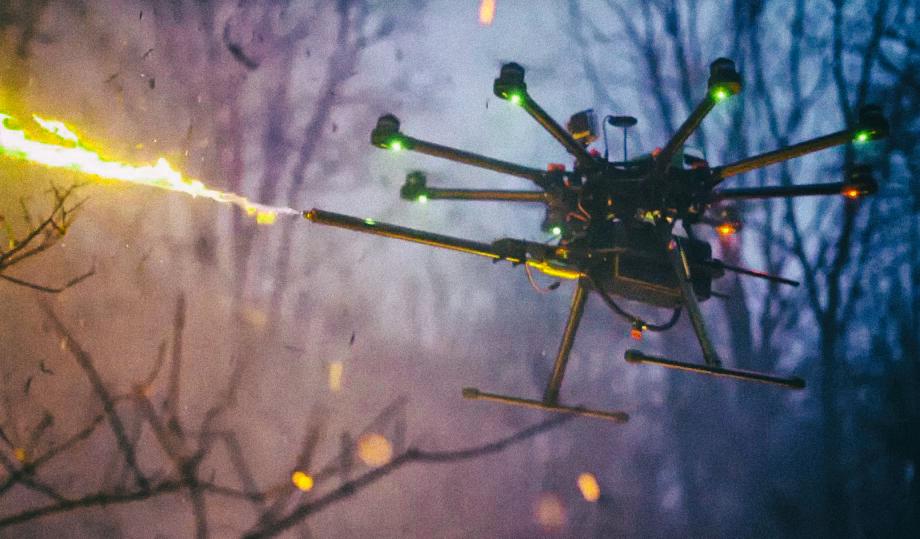 Представлен первый коммерческий дрон с огнеметом