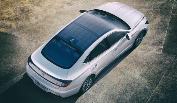 Hyundai начал продажу гибридных автомобилей на солнечных батареях