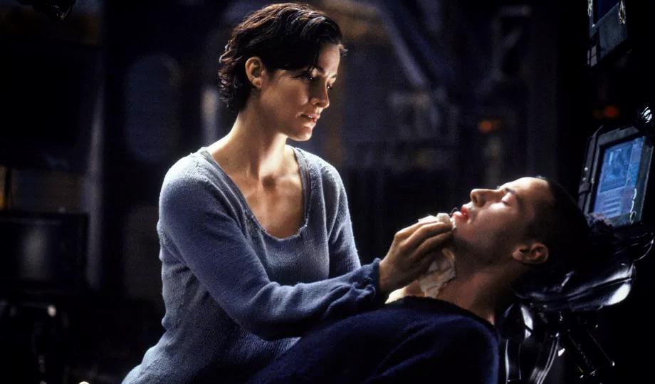 """Киану Ривз и Кэри-Энн Мосс снимутся в новой части """"Матрицы"""". И это очень странно"""