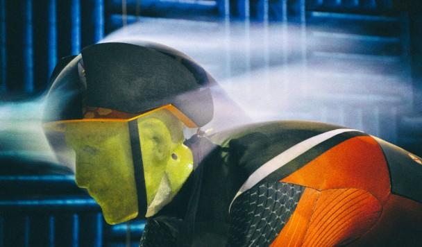 Умный велосипедный шлем меняет форму для улучшения аэродинамики