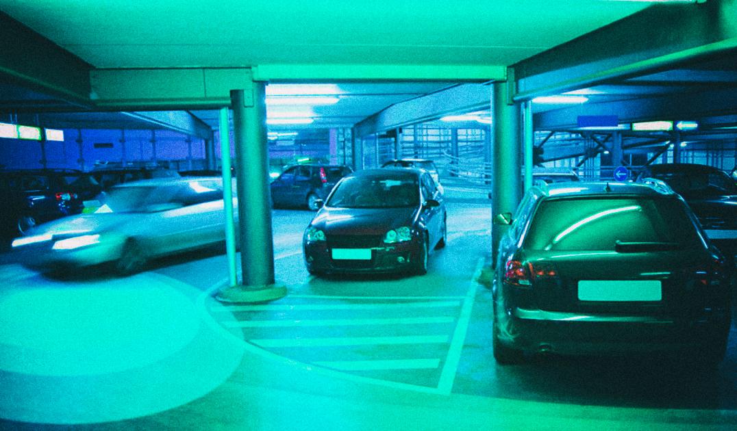 Новый алгоритм позволяет беспилотным автомобилям чувствовать опасность за углом