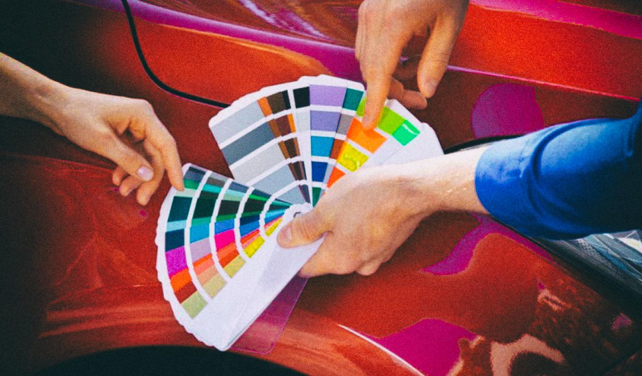 Jaguar Land Rover хочет покрывать автомобили дисплеями, меняющими цвет