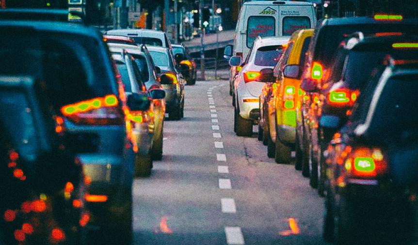 Как заставить Google Maps поверить в несуществующую пробку на дороге