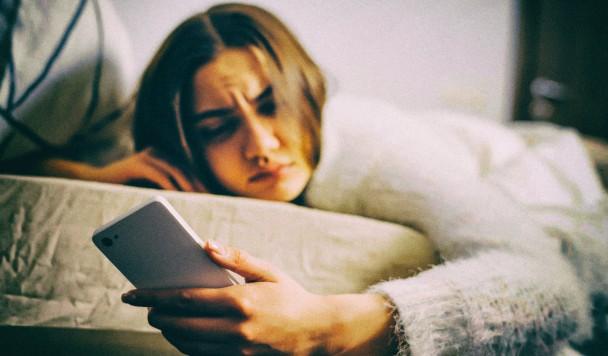 Исследование: Спокойные мелодии будильника делают человека бодрее