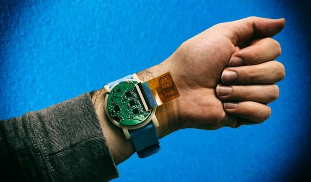 Носимый датчик пота позволяет отслеживать здоровье пользователя в реальном времени