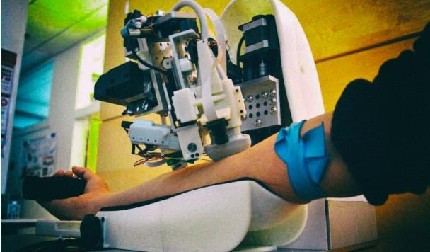 Разработан умный робот для сбора анализов крови