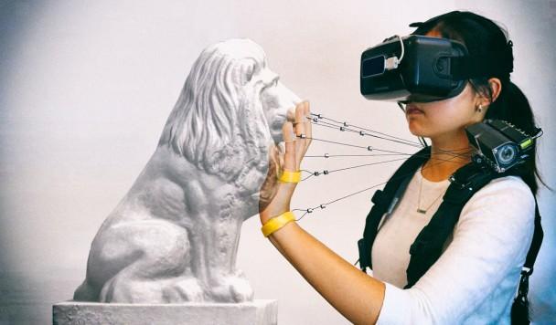 Новая технология позволяет пользователю чувствовать прикосновение к сложным виртуальным предметам