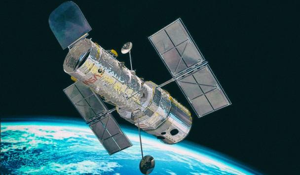 """Узнайте, что видел телескоп """"Хаббл"""" в день вашего рождения"""