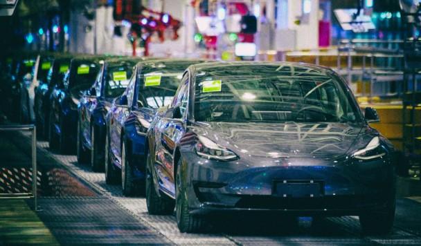 """Tesla разрабатывает автомобильный аккумулятор на """"миллион миль"""""""