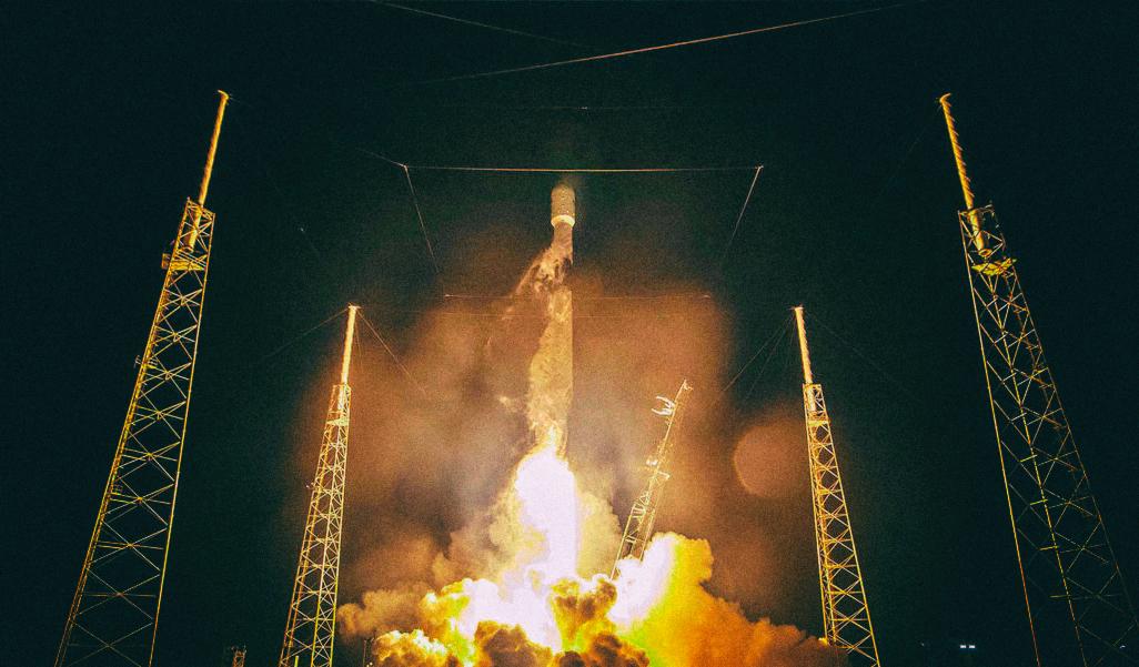 SpaceX запустила на орбиту солнцезащитный экран для затенения спутников