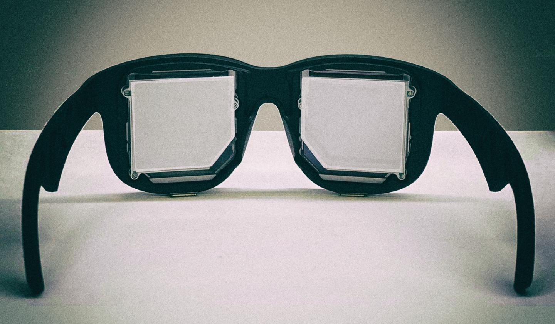 Facebook разработал прототип самых компактных очков виртуальной реальности