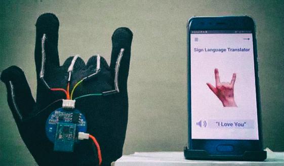 Разработана перчатка, автоматически переводящая язык жестов в текст