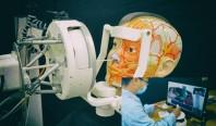 Робот для взятия мазков позволит врачам держаться подальше от пациентов