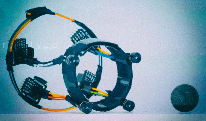 Создан браслет, считывающий положение рук при помощи тепловых камер
