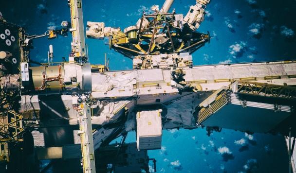 NASA использует робота для поиска поломок снаружи космической станции
