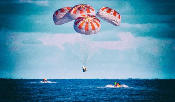 SpaceX Crew Dragon впервые вернул людей из космоса