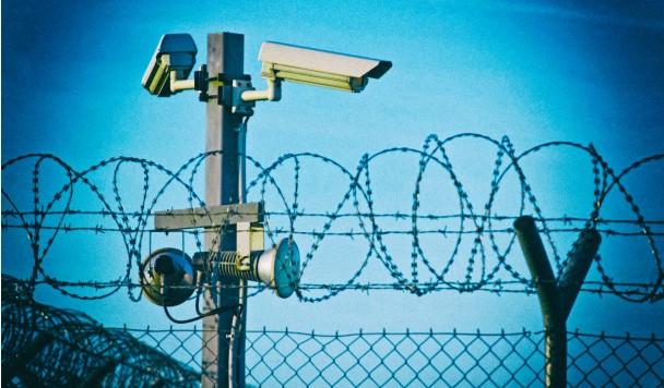 Искусственный интеллект будет следить за людьми, вышедшими из тюрьмы