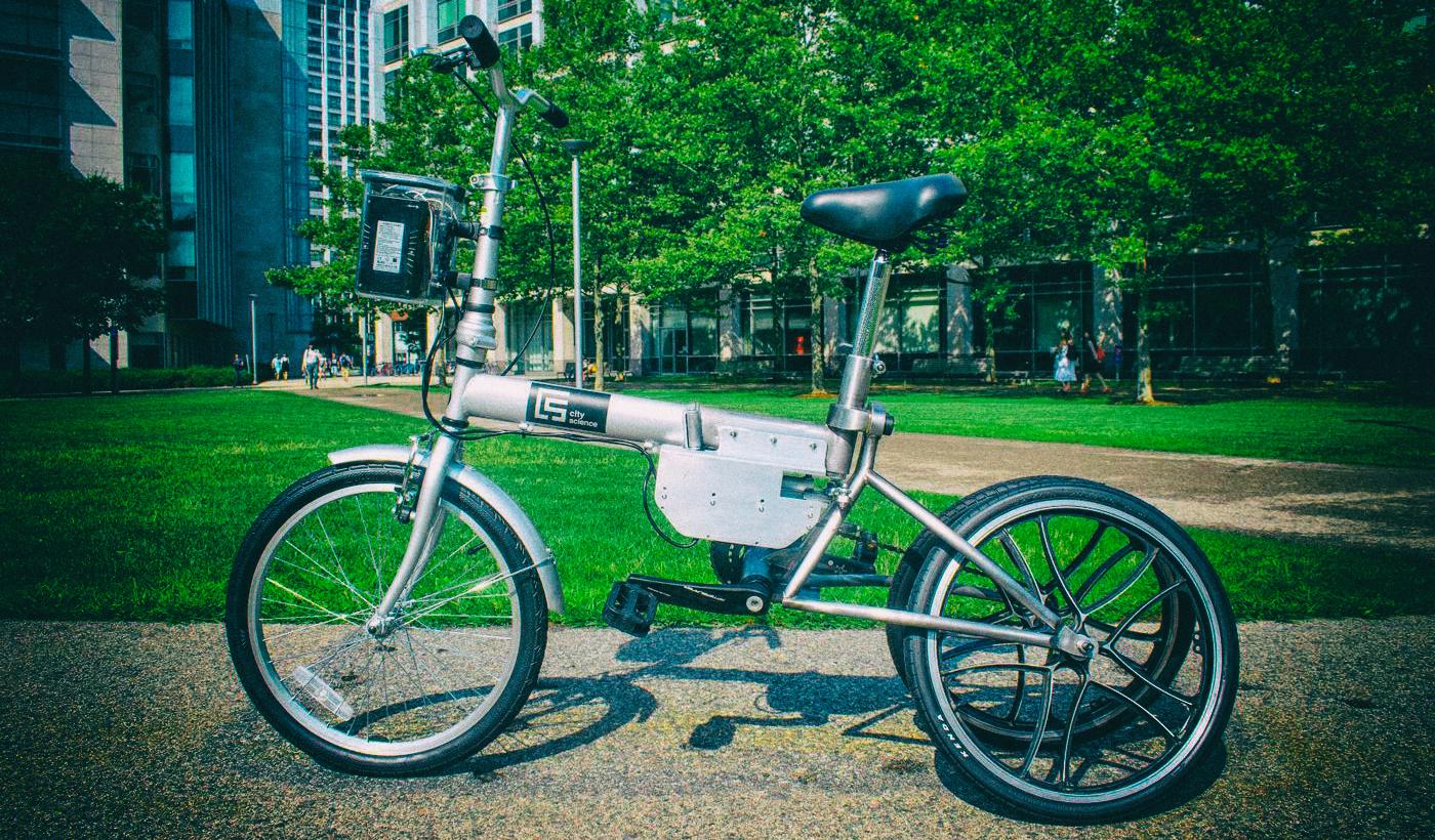 Представлен электровелосипед, трансформирующийся в беспилотный трицикл