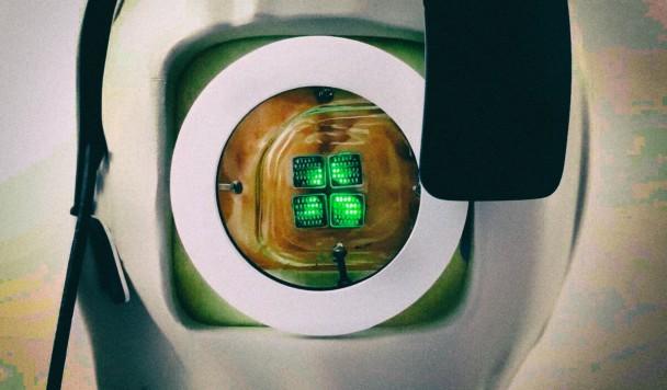 """Ученые готовятся имплантировать первый в мире """"бионический глаз"""""""