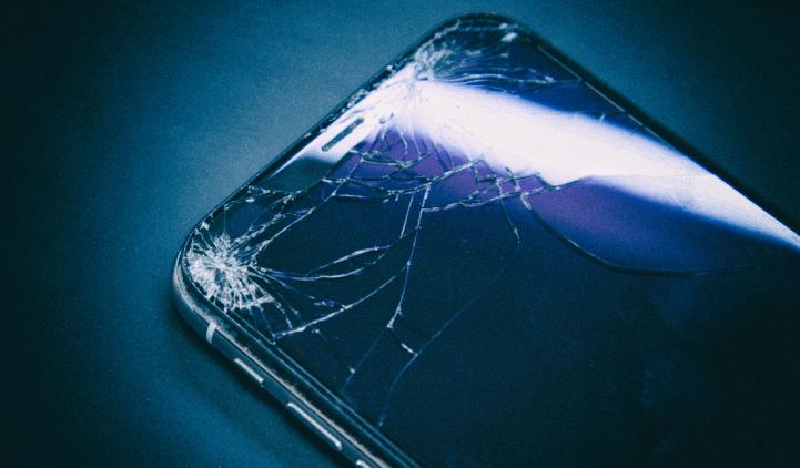 Процедура замены стекла дисплея iPhone. Как и почему?