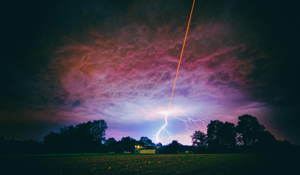 Лазеры можно использовать для наведения ударов молний