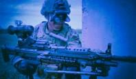 Новый прибор ночного видения позволяет солдату видеть, что происходит за углом