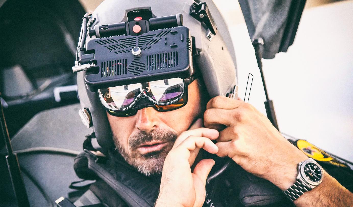 Дополненная реальность позволила пилоту реального самолета сражаться с виртуальным противником