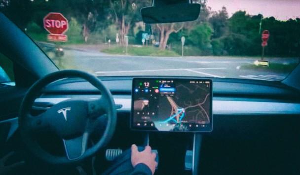 Полный автопилот появится в машинах Tesla уже в 2021