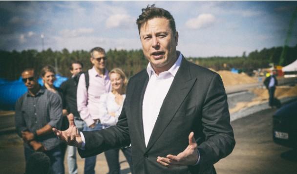 Илон Маск пытался продать Tesla Apple