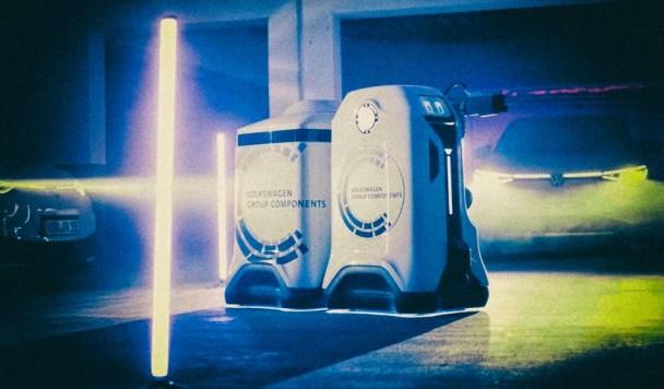 Volkswagen представила футуристического робота для зарядки электромобилей