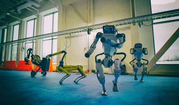 К Новому году Boston Dynamics заставила своих роботов танцевать