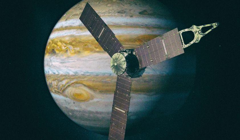 NASA приняло радиосигнал с одной из лун Юпитера