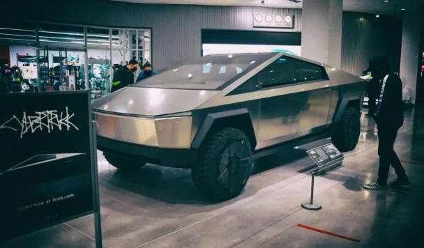 Tesla начнет массовое производство Cybertruck в 2022 году