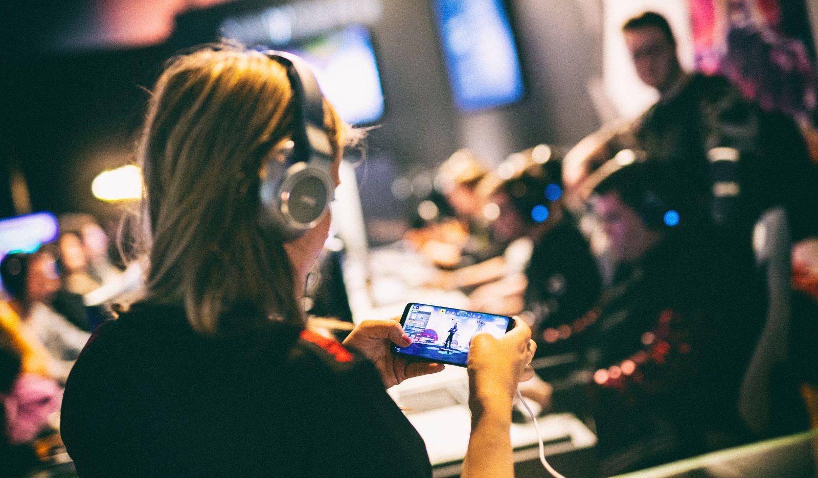 Лучшие соревновательные игры для мобильных телефонов
