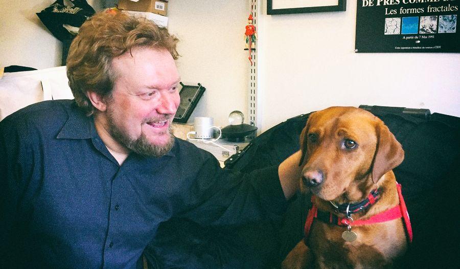 Создан электронный нос, превышающий по чувствительности обоняние собаки