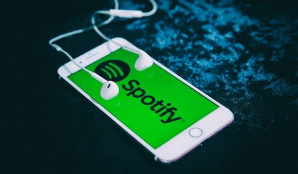 В Spotify появится алгоритм рекомендаций подкастов и музыка в CD-качестве