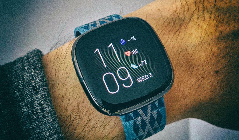 Обзор Fitbit Sense: самые продвинутые смарт-часы в линейке Fitbit