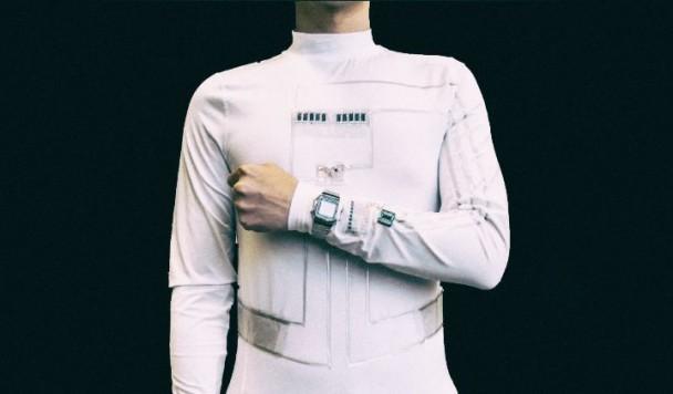 Рубашка-генератор вырабатывает электричество из пота и движения