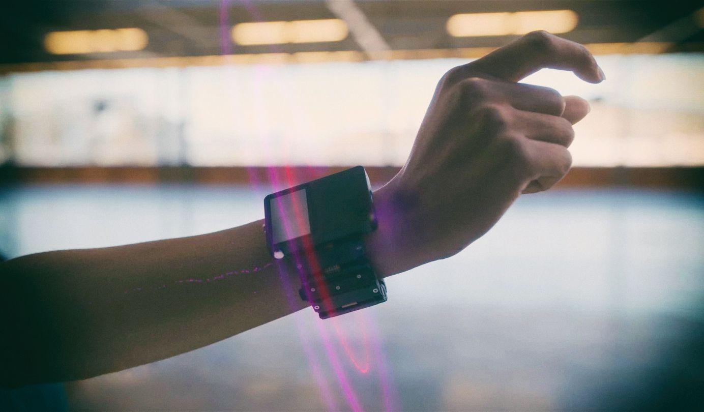 """Facebook создает контроллеры, которые будут """"слышать"""" ваши нервы"""