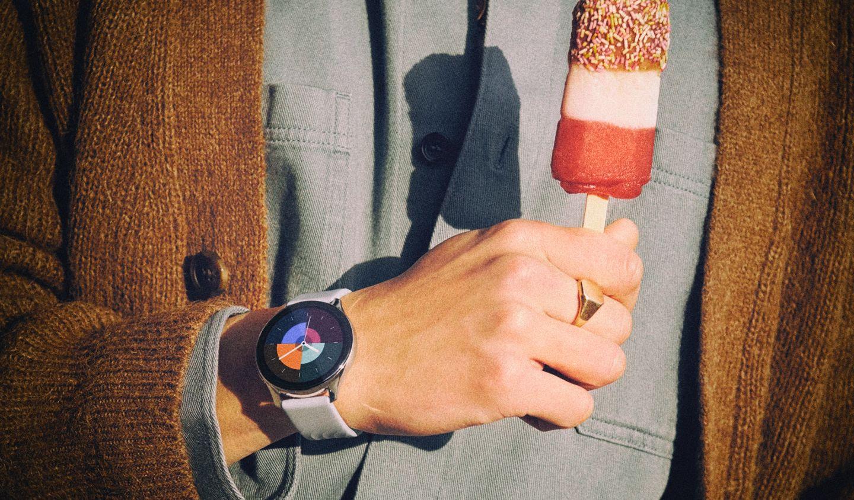 OnePlus представила бюджетные смарт-часы для мониторинга здоровья
