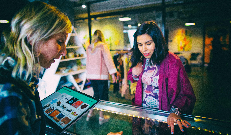 Microsoft и LinkedIn помогли 30 миллионам человек приобрести цифровые навыки во время экономического кризиса