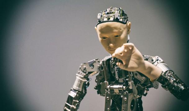Исследование: Люди сильнее злятся на роботов за ошибки, если те похожи на человека