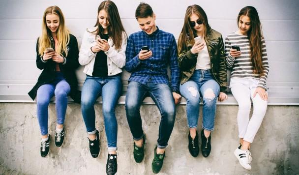 """Исследование: """"Технологии никак не влияют на психическое здоровье молодежи"""""""