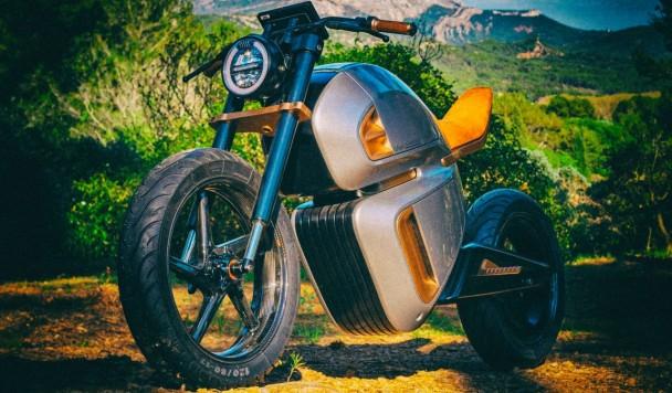 Анонсирован первый электромотоцикл на суперконденсаторах
