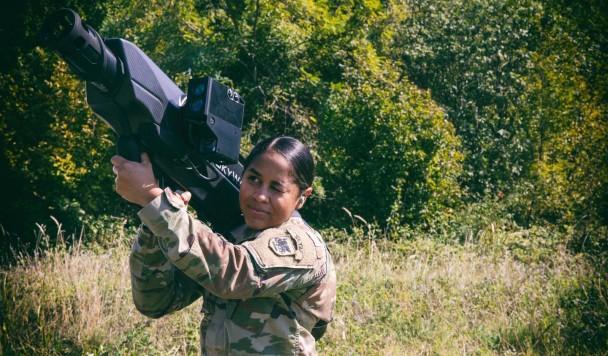 Пентагон создает базуку для охоты на дроны