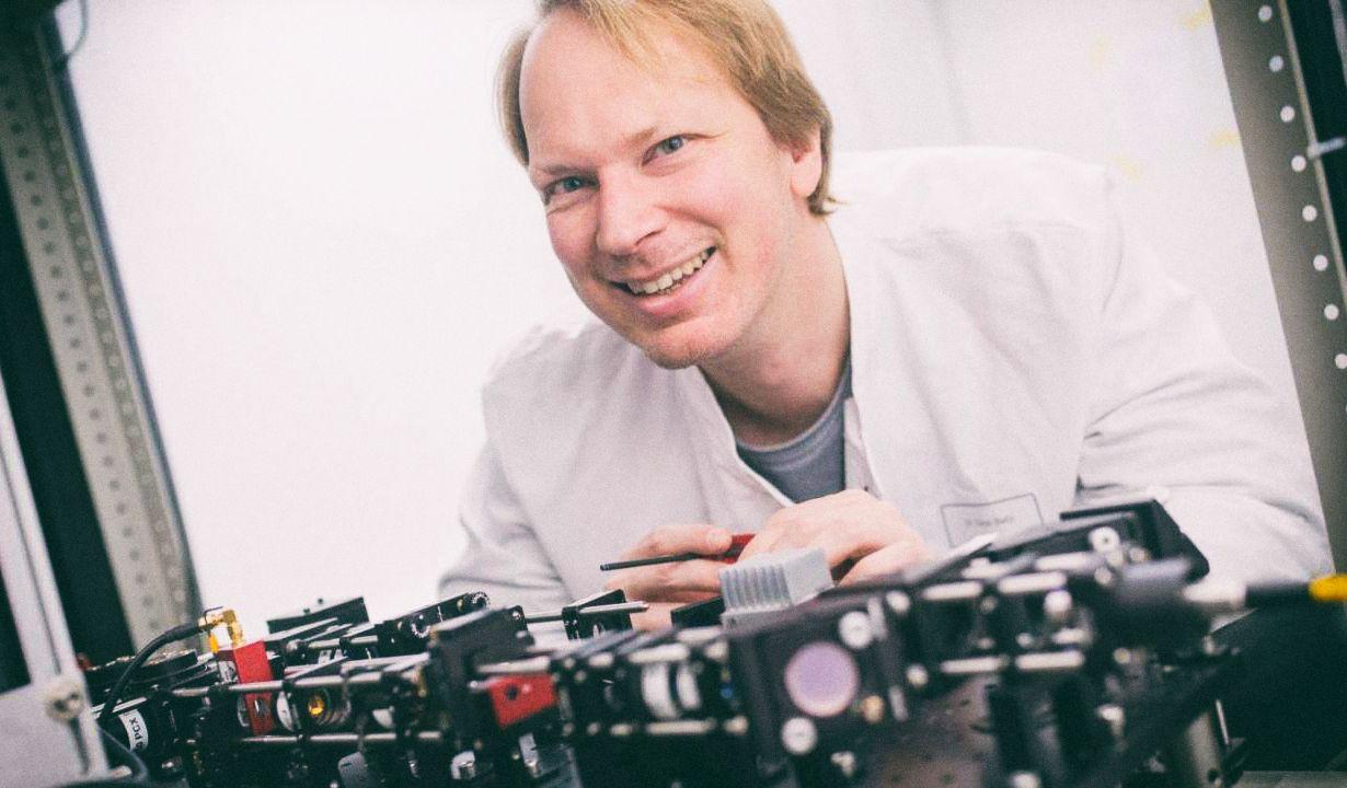 Мощный микроскоп можно собрать из Lego и дешевых линз