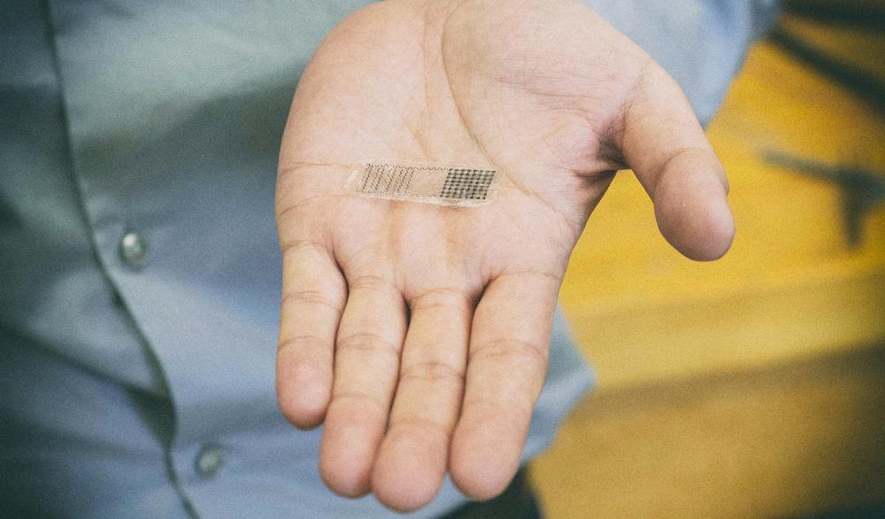 Биоразлагаемый имплант лечит сломанные кости электричеством